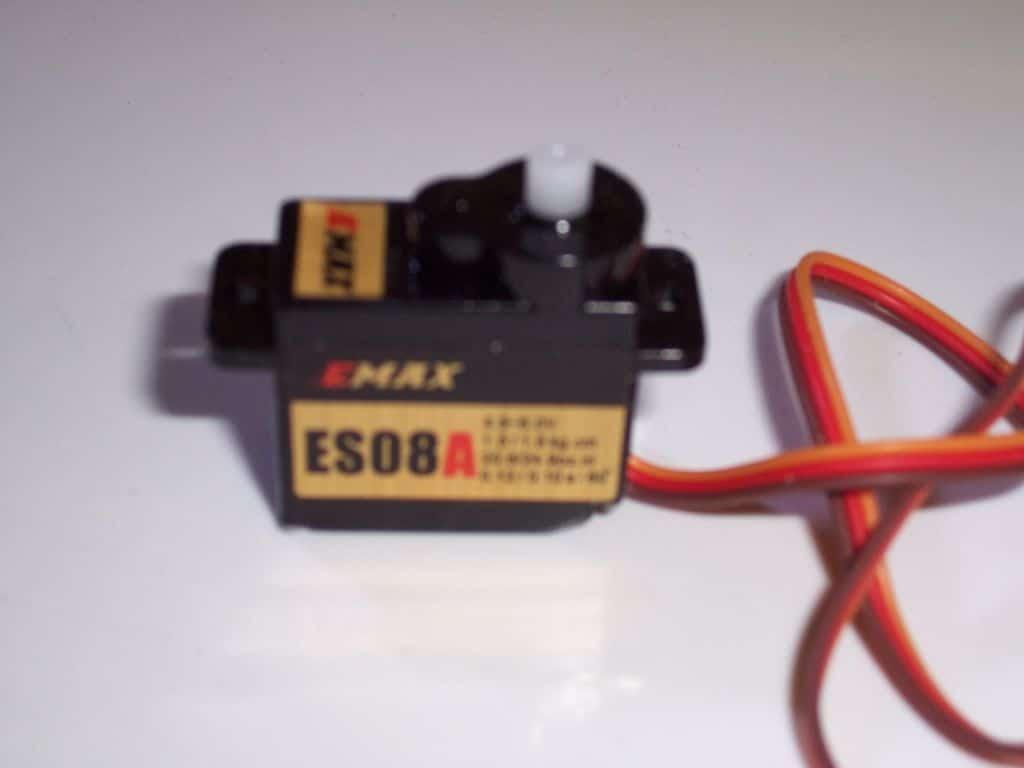 EMAX ESO8A Servo 8,5 g T Rex 250