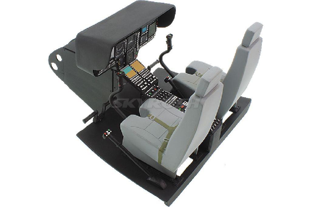 Cockpit mit Piloten für Eurocopter EC145 600er Scale.